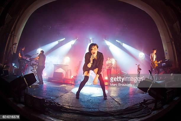 Zoe Colotis of Caravan Palace performs at O2 Academy Brixton on November 17, 2016 in London, England.