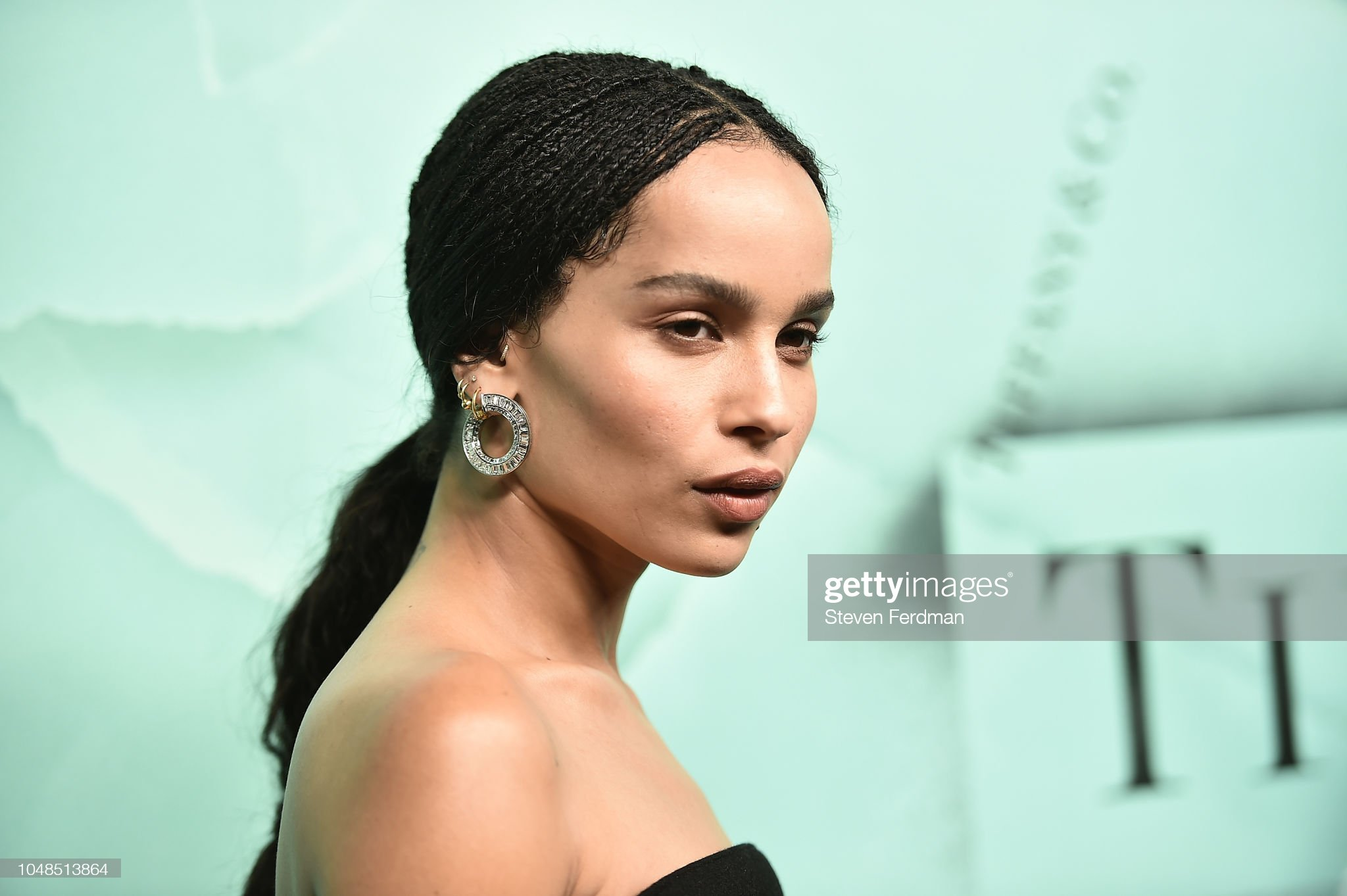 What are Zoë Kravitz's beauty secrets?