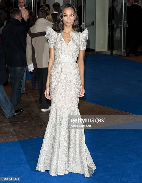 Zoe Saldana Arrives For The World Premiere Of Avatar At The Odeon Leicester Square London