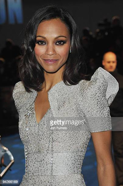 Zoe Saldana attends the World Premiere of Avatar at Odeon Leicester Square on December 10 2009 in London England