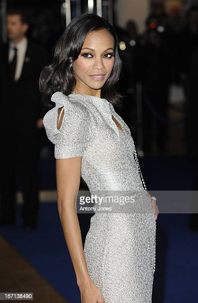 Zoe Saldana Attends The World Premiere Of Avatar At The Odeon And Empire Leicester Square