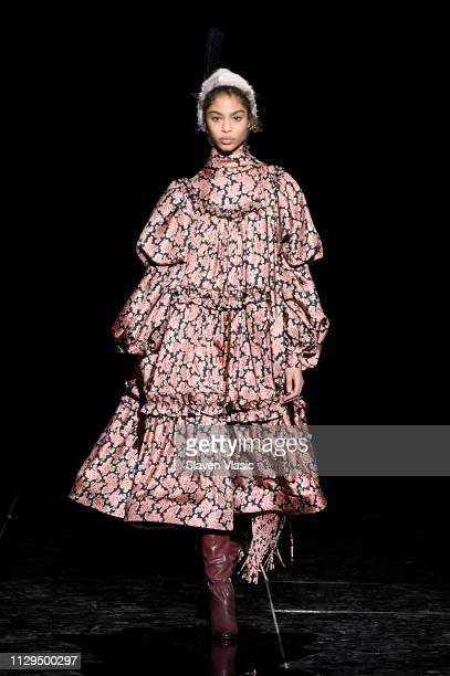 Zoe Thaets walks the runway for the Marc Jacobs Fall 2019 Show at Park Avenue Armory on February 13, 2019 in New York City.