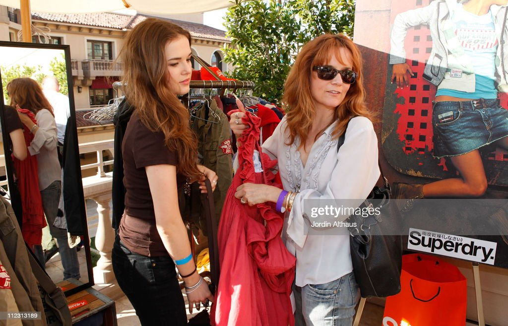 Zoey Deautch and Lea Thompson poses with Superdry at the Kari Feinstein MTV Movie Awards Style Lounge held at Montage Beverly Hills on June 3, 2010 in Beverly Hills, California.