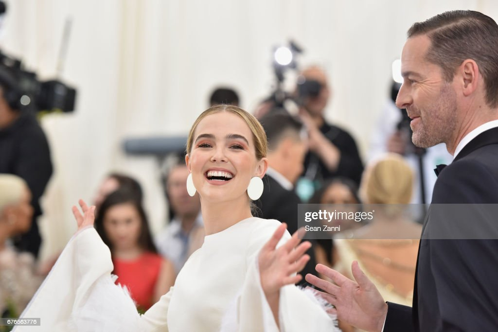 Zoey Deutch arrives at 'Rei Kawakubo/Comme des Garcons: Art Of The In-Between' Costume Institute Gala at The Metropolitan Museum on May 1, 2017 in New York City.