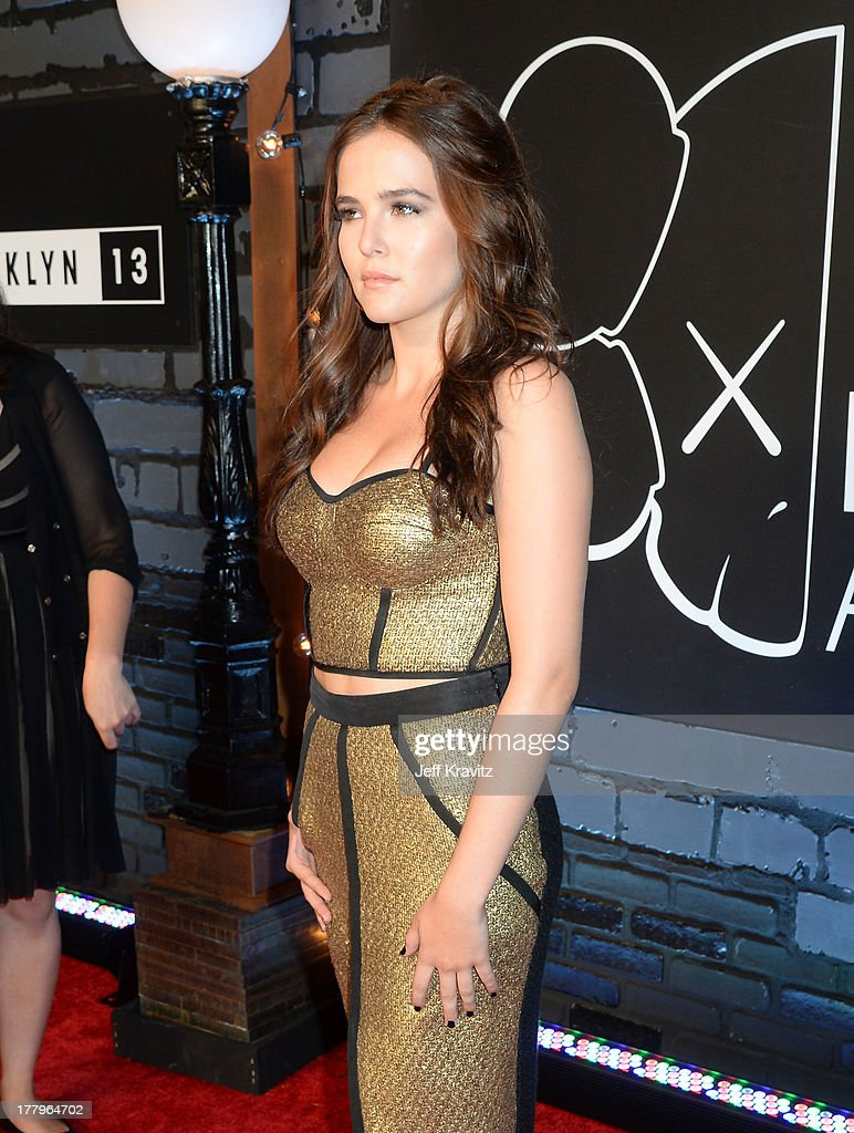 Zoey Deutch attends the 2013 MTV Video Music Awards at the Barclays Center on August 25, 2013 in the Brooklyn borough of New York City.