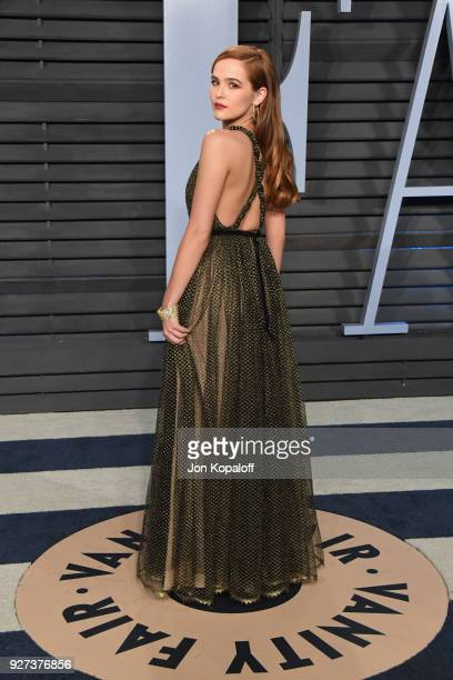 Zoey Deutch attends the 2018 Vanity Fair Oscar Party hosted by Radhika Jones at Wallis Annenberg Center for the Performing Arts on March 4 2018 in...
