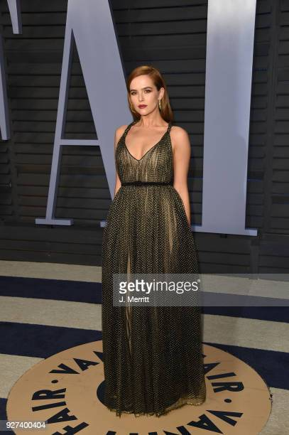 Zoey Deutch attends the 2018 Vanity Fair Oscar Party hosted by Radhika Jones at the Wallis Annenberg Center for the Performing Arts on March 4 2018...