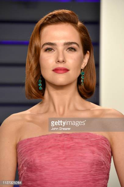 Zoey Deutch attends the 2019 Vanity Fair Oscar Party hosted by Radhika Jones at Wallis Annenberg Center for the Performing Arts on February 24 2019...