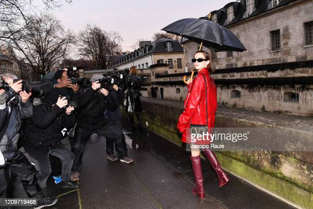 Zoey Deutch attends the Valentino show as part of the Paris Fashion Week Womenswear Fall/Winter 2020/2021 on March 01, 2020 in Paris, France.