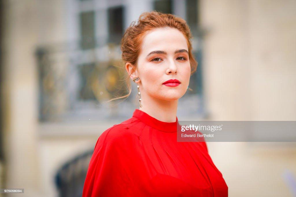 Street Style : Paris Fashion Week Womenswear Fall/Winter 2018/2019 : Day Two : Photo d'actualité