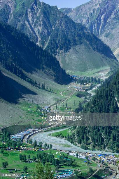 zoji la pass road on national highway between kashmir and ladakh - srinagar stock pictures, royalty-free photos & images