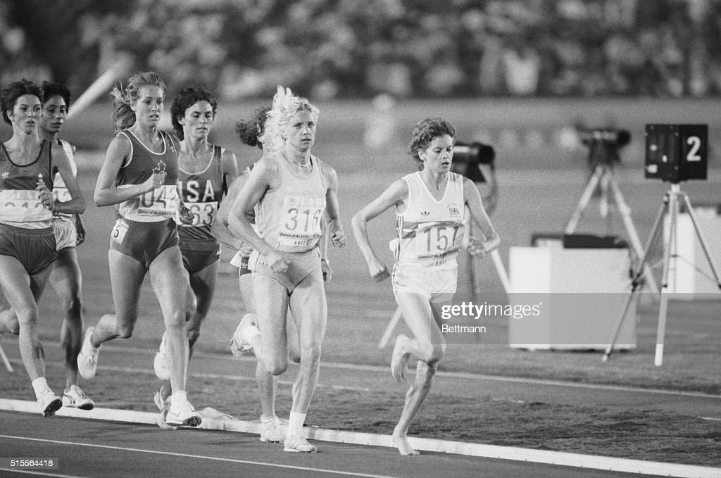 Zola Budd the bare footed runner from South Africa, now running for Great Britain, runs in the third heat of the women's 3000 meter run at the Olympics in Los Angeles 8/8. She finished third to qualify for the finals.