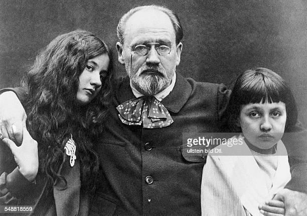 Zola Emile *02041840 Schriftsteller Frankreich mit seinen Kindern Denise und Jacques undatiert