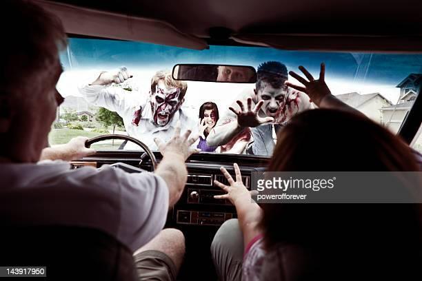 zombie ataque - zombie fotografías e imágenes de stock
