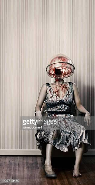 zombie salón - decapitado fotografías e imágenes de stock