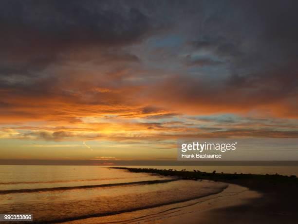 zonsondergang kl - zonsondergang stock pictures, royalty-free photos & images