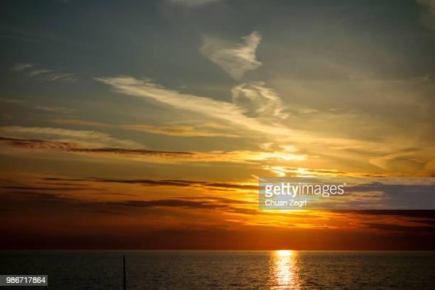 zonsondergang - zonsondergang stock pictures, royalty-free photos & images