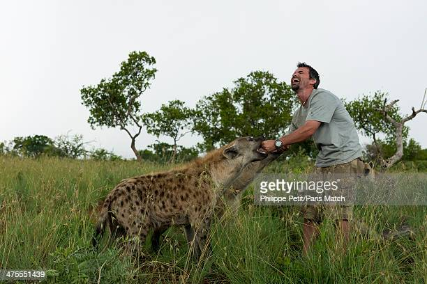 Zoologist Kevin Richardson has worked with big cats and using his intuition rather than static rules enabling him to get very close to these wild...
