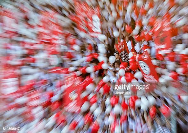 Zoomfoto auf die Clubfans die mit RotWeissen Luftballons winken waehrend dem Fussball 2 Bundesliga Spiel FC Ingolstadt gegen 1 FC Nuernberg am 31...