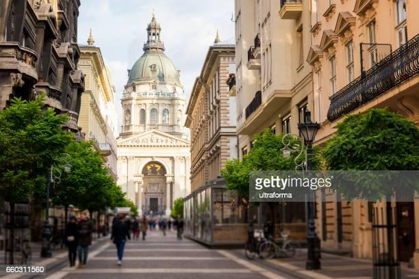 Zrinyi Street und St.-Stephans Basilika in Budapest