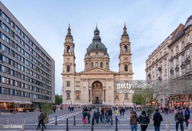 zrinyi utca street and st. stephen`s basilica in budapest, hungary - basilica stock pictures, royalty-free photos & images