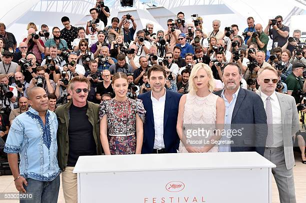 Zubin Cooper director Sean Penn Adele Exarchopoulos Javier Bardem Charlize Theron Jean Reno and Jared Harris attend 'The Last Face' Photocall during...