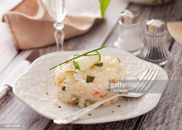 zucchini risotto - cris cantón photography fotografías e imágenes de stock