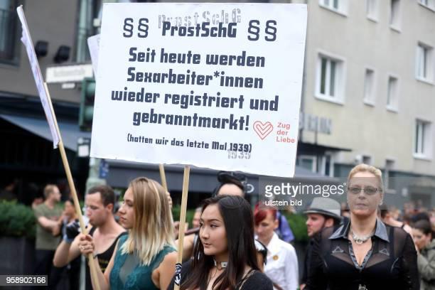 Zug der Liebe - Rave für mehr Mitgefühl und Nächstenliebe unter dem Motto: Presse- und Meinungsfreiheit am in Berlin. Berlin: Der Zug der Liebe...