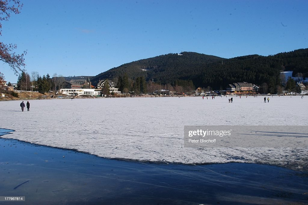 Zugefrorener See Titisee Neustadt Schwarzwald Baden Wurttemberg News Photo Getty Images
