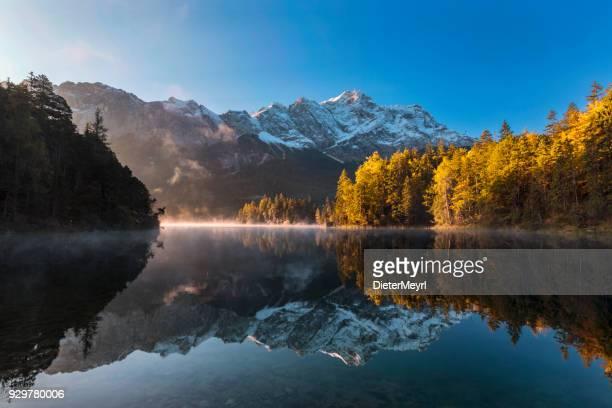 Zugspitze und Eibsee im Herbst - Garmisch-Partenkirchen, Bayern
