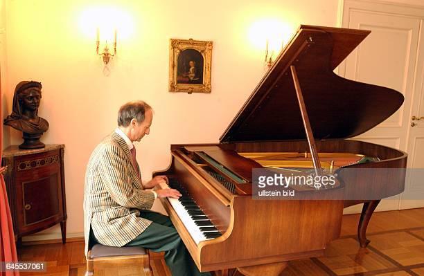 FRIEDRICH WILHELM PRINZ VON PREUSSEN Zuhause Musik Flügel Klavier Berlin Halensee
