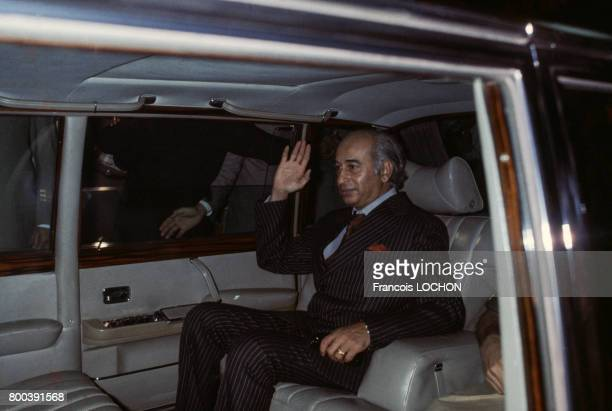 Zulfikar Alî Bhutto dans une voiture en 1977 à Islamabad au Pakistan