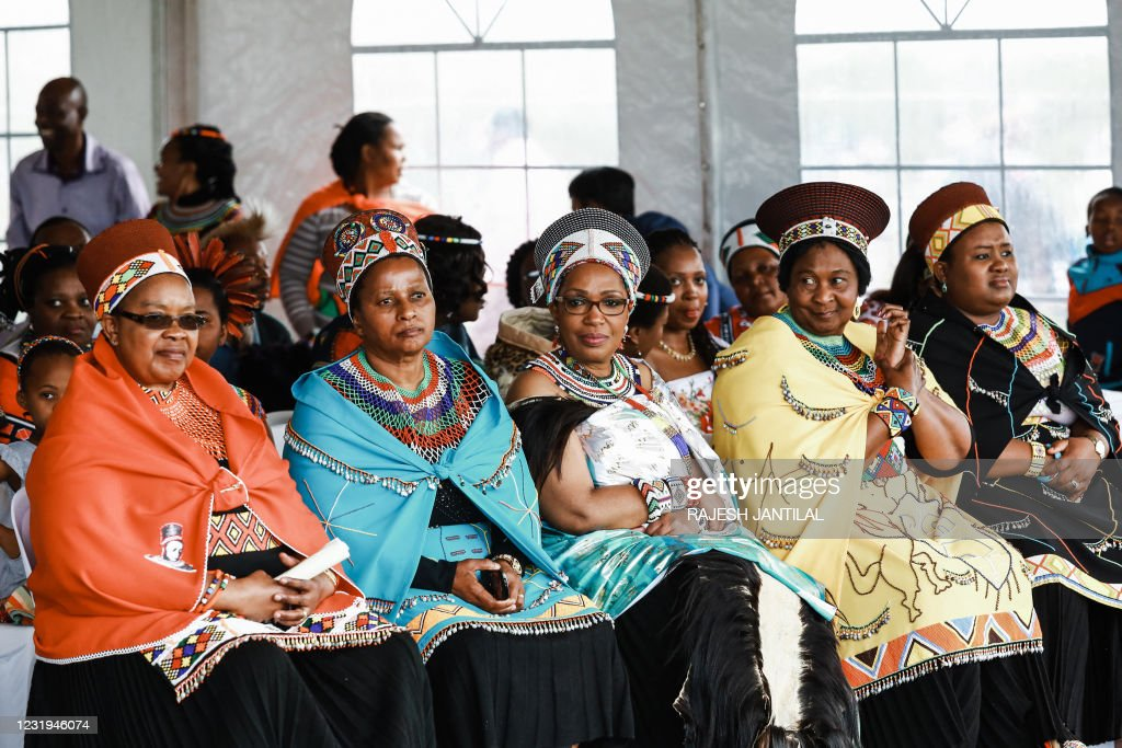 SAFRICA-ZULU-FESTIVAL-QUEEN-REGENT : News Photo