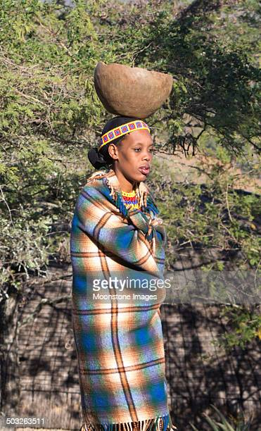 zulu woman in kwazulu-natal, south africa - zulu women stock pictures, royalty-free photos & images
