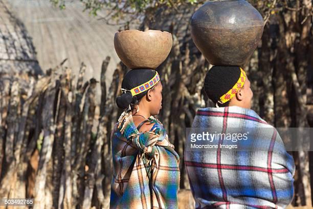 zulu women in kwazulu-natal, south africa - zulu women stock pictures, royalty-free photos & images