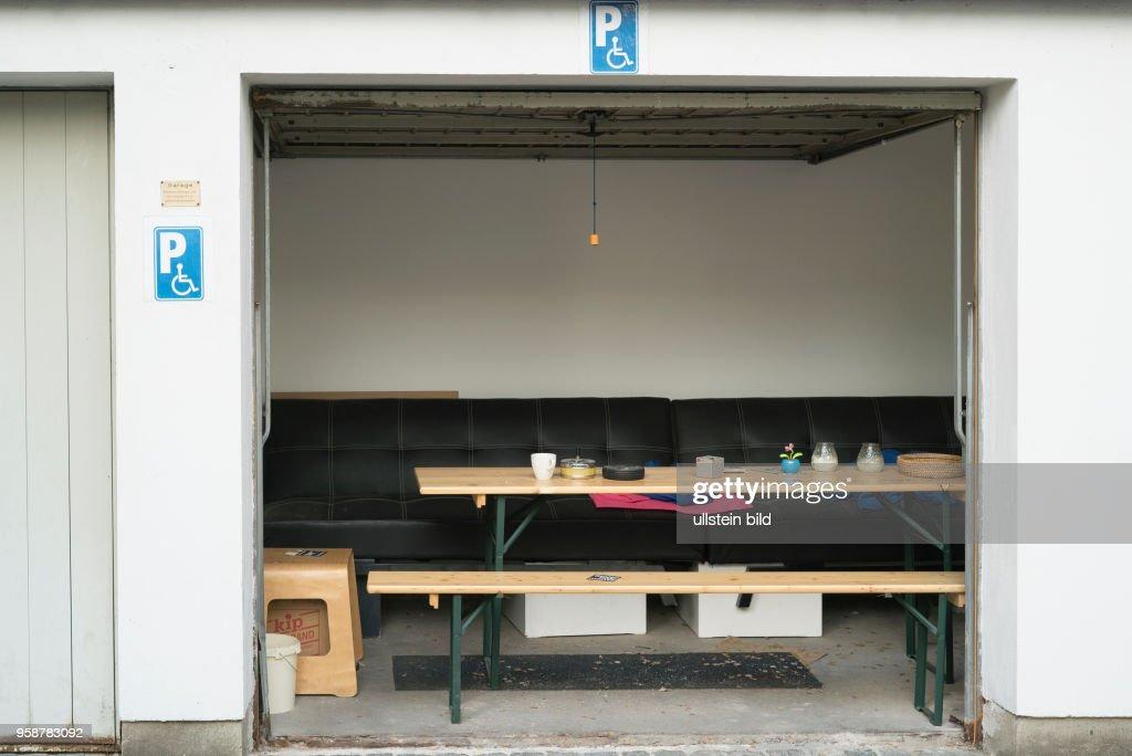 Zum Wohnzimmer Garage In Bayreuth With Garage Im Wohnzimmer.
