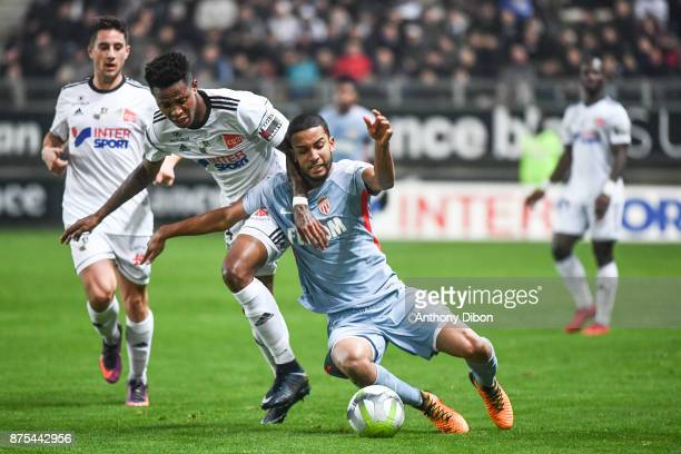 Zungu Bongani of Amiens and Jorge of Monaco during the Ligue 1 match between Amiens SC and AS Monaco at Stade de la Licorne on November 17 2017 in...