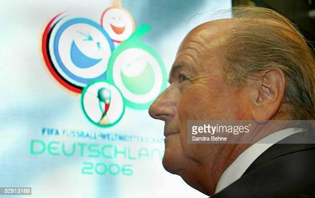 PRESSEKONFERENZ zur WM 2006 Hannover'CONTINENTAL'neuer Partner der FIFA FIFA Praesident Joseph BLATTER