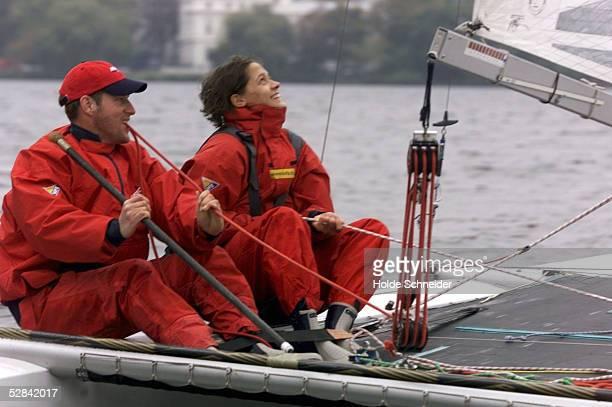 FOTOTERMIN zur YACHTMEISTERSCHAFT DER MEISTER 1999 Hamburg RolanD GAEEBLER segelte mit Sandra VOELKER die am Samstag den Startschuss geben wird