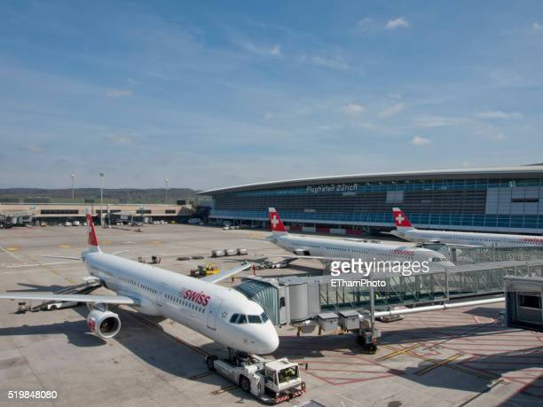 zurich kloten international airport - a320 stock pictures, royalty-free photos & images