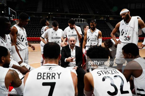 Zvezdan MITROVIC coach of Lyon and Davion BERRY of Lyon and Matthew STRAZEL of Lyon and Jordan TAYLOR of Lyon and Adreian PAYNE of Lyon during the...