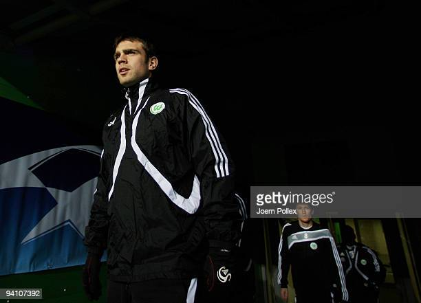 Zvjezdan Misimovic of Wolfsburg enters the pitch for a training session at the Volkswagen Arena on December 7, 2009 in Wolfsburg, Germany. VfL...