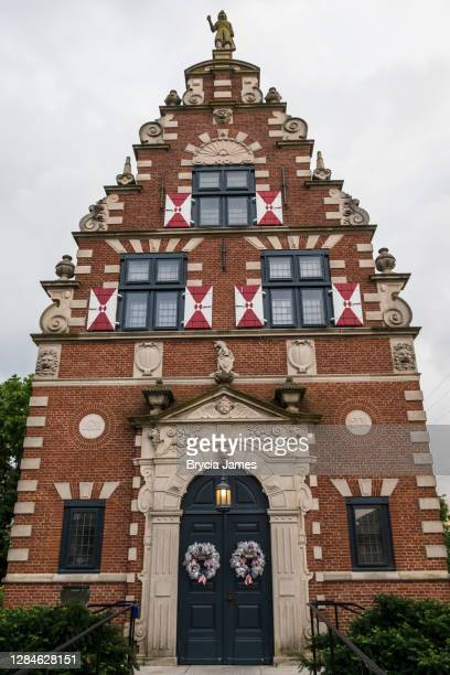 zwaanendael museum in lewes, delaware - brycia james stock pictures, royalty-free photos & images
