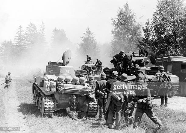 Zweiter Weltkrieg Russlandfeldzug 1941 Ostfront'Unternehmen Barbarossa'Deutscher Angriff auf die Sowjetunion ab Vormarschpause einer...