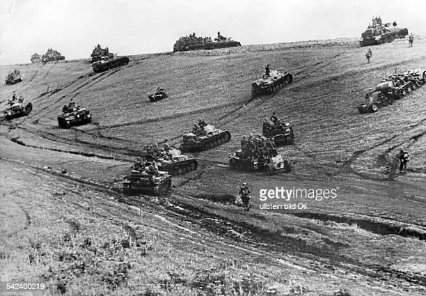 Zweiter Weltkrieg Russlandfeldzug 1941 Ostfront'Unternehmen Barbarossa'Deutscher Angriff auf die Sowjetunion ab Vormarsch der Panzergruppe von Kleist...