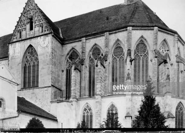 Cistercian Abbey. View of the southern choir of the abbey church. About 1910. Photograph by Bruno Reiffenstein . Zwettl: Zisterzienserstift. Ansicht...