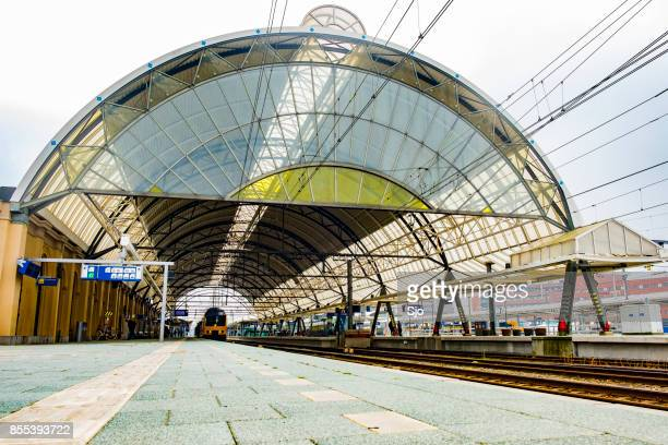 """zwolle train station in overijssel the netherlands - """"sjoerd van der wal"""" or """"sjo"""" stock pictures, royalty-free photos & images"""