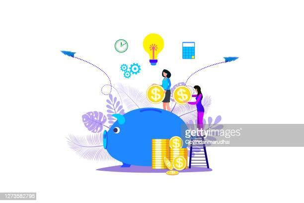 ilustraciones, imágenes clip art, dibujos animados e iconos de stock de una gran alcancía en forma de un lechón sobre un fondo blanco, servicios financieros, pequeños banqueros se dedican al trabajo, ahorrando o acumulando dinero, una caja de monedas con - fajo de billetes