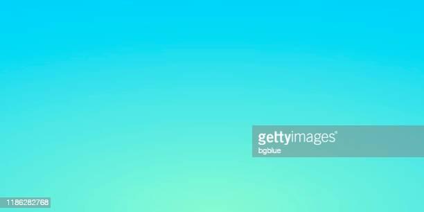 stockillustraties, clipart, cartoons en iconen met abstracte onscherpe achtergrond-gedeconcentreerde blauwe gradiënt - lichtblauw