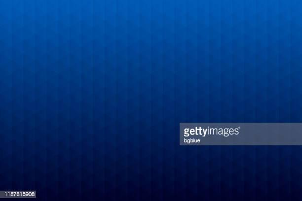 stockillustraties, clipart, cartoons en iconen met abstracte geometrische achtergrond-mozaïek met driehoek patronen-blauwe gradiënt - donkerblauw